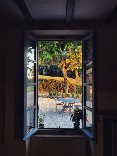 France Relaxing Rhône Travel Architecture Countryside Glass Reflection South Of France Summer Table Travel Destinations Vacation Window Window Frame