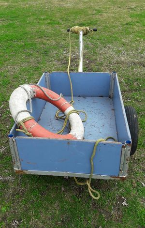 Rettungswagen :-) Ambulance Rescue Vehicle Rescue Ring Ropes Improvisation High Angle View Grass Outdoors No People Handcart Nautical Equipment Harbour Lake Constance Sea Rescue Sos Water Police
