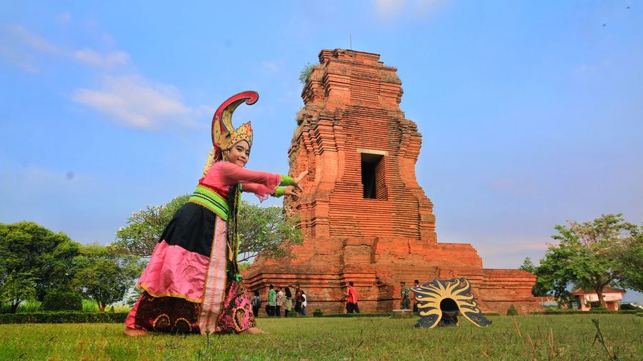 the cultural dancer Ancient Civilization Elephant History Place Of Worship Sky Grass Architecture