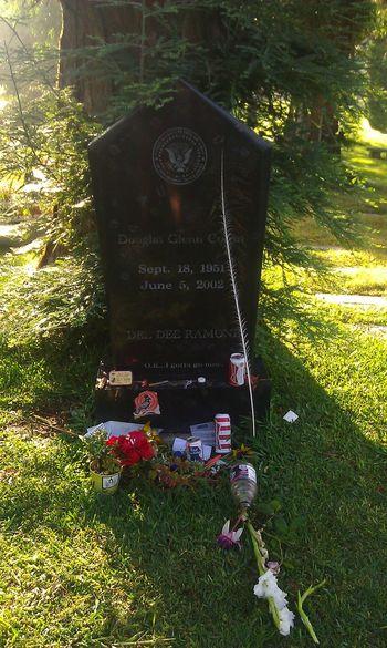 Ramones Death Hollywoodforevercemetery Grave