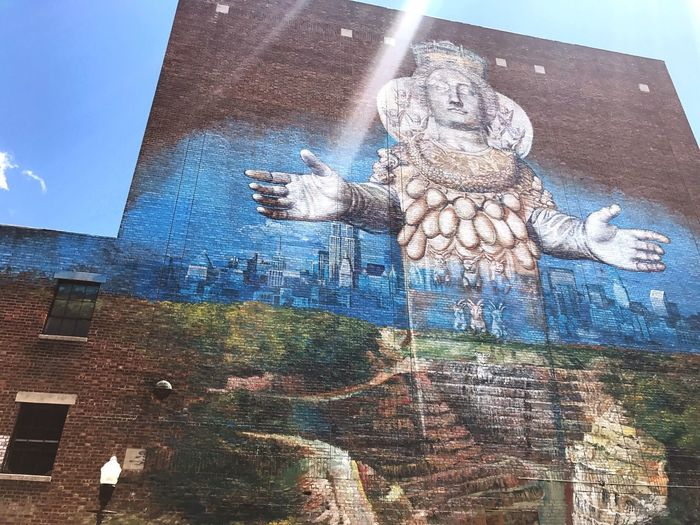 Mural Sunlight Low Angle View Clear Sky Day Art And Craft Building Exterior Outdoors Human Representation Architecture EyeEmNewHere