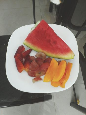 First Eyeem Photo Taking Photos Healthy Food Fitnesslifestyle  Myfitfoods Breakfast ♥ Eat Fruts Healthy Breakfast Salad Fruit Fit Girl