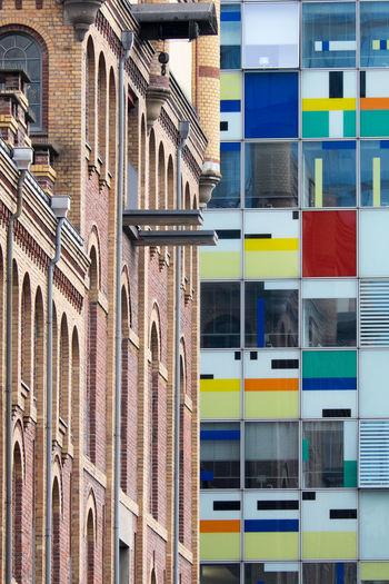 Architecture Building Exterior Built Structure Colorful Day Multi Colored No People Old And New Old And New Architecture Outdoors Düsseldorf Medienhafen Düsseldorf 🌾 Düsseldorf, Medienhafen