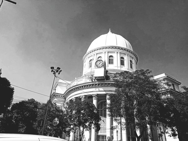 GPO Kolkata Kolkata Kolkatadiaries Grand Post Office KolkataStreets Dome Architecture Built Structure Government Politics And Government Building Exterior Low Angle View City No People Day Outdoors