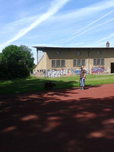 Unterwegsunddraußen Taking Photos Check This Out Spazieren Und Fotografieren Graffiti & Streetart Graffiti Wall Sportplatz