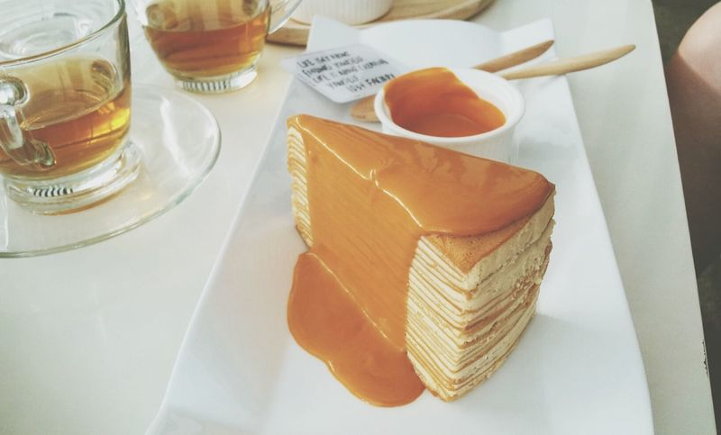 Thai tea crapecake Cafe Taking Photos In Bangkok