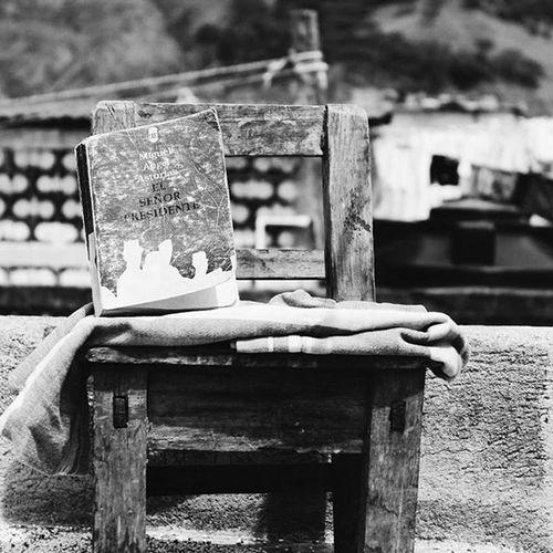 Premio Nobel de literatura. Orgullo guatemalteco. El señor presidente - Miguel Angel Asturias. Miguelangelasturias Retoinstagrampl Prensalibre Monocrome
