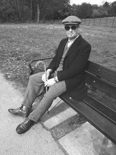 Graves Park, Sheffield Dandystyle Relaxing Gorgeousglen Timeless Vintage Style Borninthewrongera UNIQ Flatcap Flatcaps Walkingstick Dandy Vintage Fashion Vintagestyle VintageLooks Headturner Handsome Borninthewrongdecade Southyorkshire Timeless Hipster Hipsterstyle Peopleandplaces