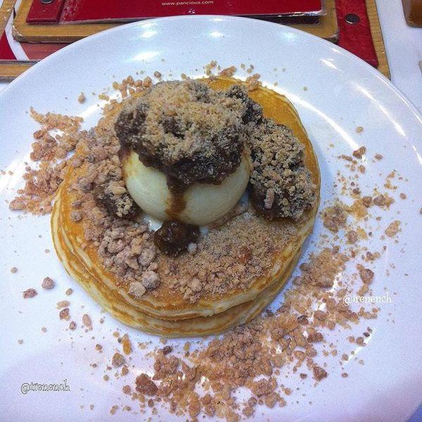 Pancake @pancioussby ini enak banget! 👌 Entry for @mysquarephoto Mysquarephoto MspAJCREPES Pancakeporn Culinary Recomended Foodie Foodporn 9vaga_food9