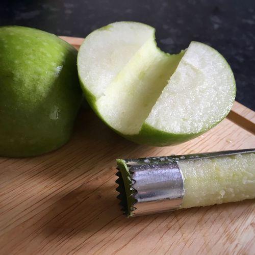 Apple prep... Granny Smith Apples Apple Core Apple Photography Apple - Fruit Foodblogger Foodblog Foodphotography Foodphoto Food Prep!!!!  Food Porn