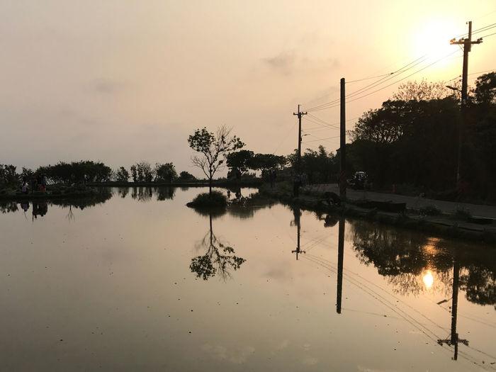 水中央 倒影 水天一線 新北市