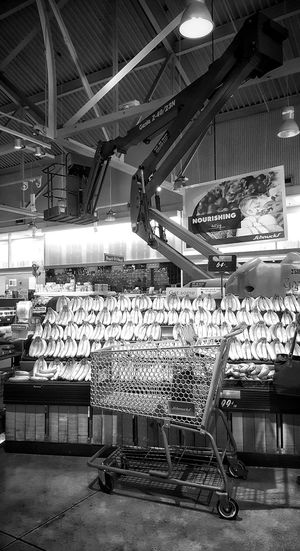 Bananas Grocers Grocery Store Fruit Blandwhite Black And White Photography Indoors  No People Eyeemblack&white Shapes And Patterns  Shapes