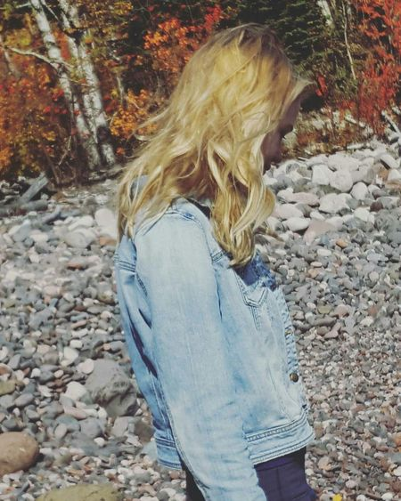 Straight Hair Outdoors Messy Fall Beauty Cabin Life Lake Superior Photoshoot Friends ❤ Nature Photography Minnesota Nature Enjoying Life Minnesota Lake Candidshot Nature Beauty In Nature Tranquility Blondes Have More Fun Finding New Frontiers Long Goodbye Amateurphotography Done That. Lost In The Landscape The Great Outdoors - 2018 EyeEm Awards