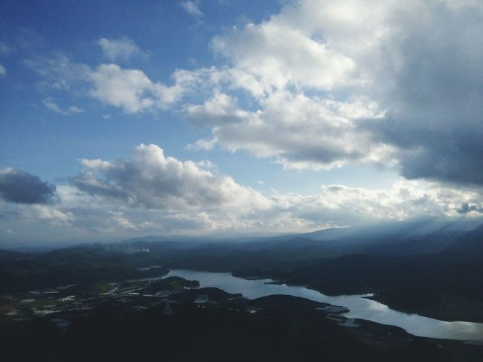High~ high~ I'm so high. High~ high~ Touch the sky ⛅☁ Holiday Trip Sky And Clouds So High That I Can Touch The Sky