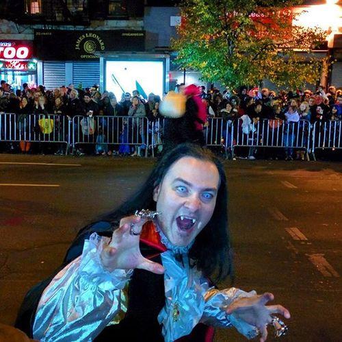 Got really scared @ Halloween parade 2014 @ New York City Halloween Scary Halloweenparade Halloween2014 Newyork Newyorkcity Parade Halloweenparty Halloweenmakeup Halloweenmakeupideas Halloweenmask Halloweenday Halloweendaypartynyc Halloweendayparade
