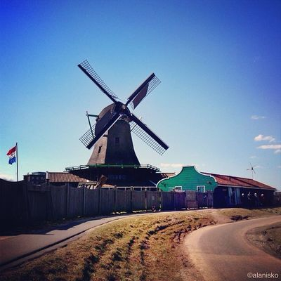 It's raining here in #london ???so I think it's the right time for #sunny #dutch #windmill shot ☀?? #ic_cities #igholland #worldwidephotowalk #igersholland #insta_holland #mokummagazine #gf_daily #gang_family #gramoftheday #holland Mokummagazine Holland Insta_holland London Igholland Windmill Sunny Gang_family Gf_daily Dutch Igersholland Ic_cities Gramoftheday Worldwidephotowalk