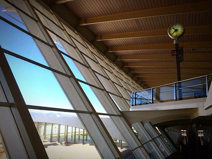 Bilbao Aeropuerto Vizcaya Today Travelling Working Delayed