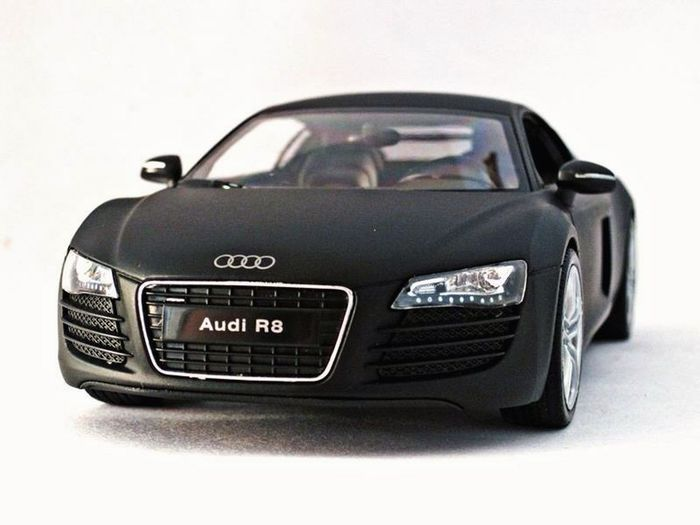 Audi R8 Diecast 1:24 Welly