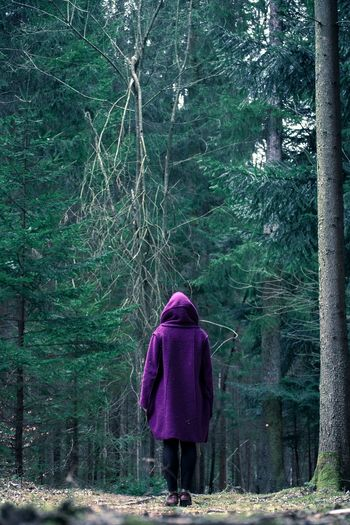 Alone in the woods Love Beautiful Nikon Travelphotography Nature Photography Photooftheday Wood Tree Nature Photo Photography Model Coat EyeEm Best Shots EyeEm Nature Lover EyeEm Gallery EyeEm Best Edits Morning Photographer Happy Peace And Quiet Peace Travel Destinations OpenEdit Creativity