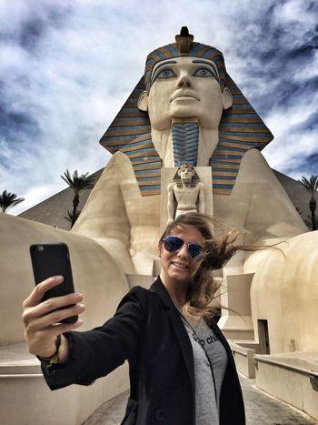 She Selfie ✌ Las Vegas Self Portrait Sphinx Esfinge Luxor Luxor Hotel Sin City Selfies Self Portrait Around The World Selfie Portrait Feel The Journey Mobile Conversations The Portraitist - 2017 EyeEm Awards