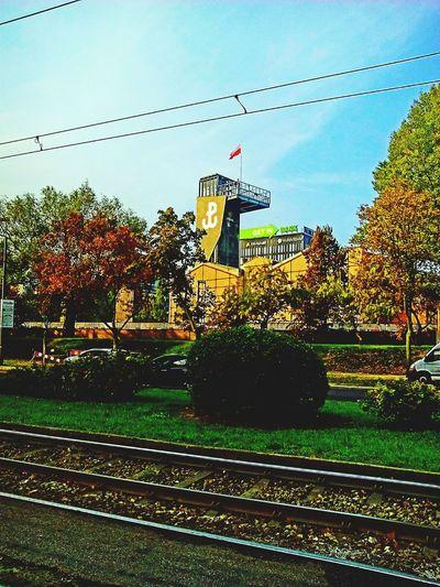 Koko Miastożyje Pstrykamzdjęcienamomencie Muzeum Powstaniewarszawskie Warszawa  Mojemiasto Autumn Colors