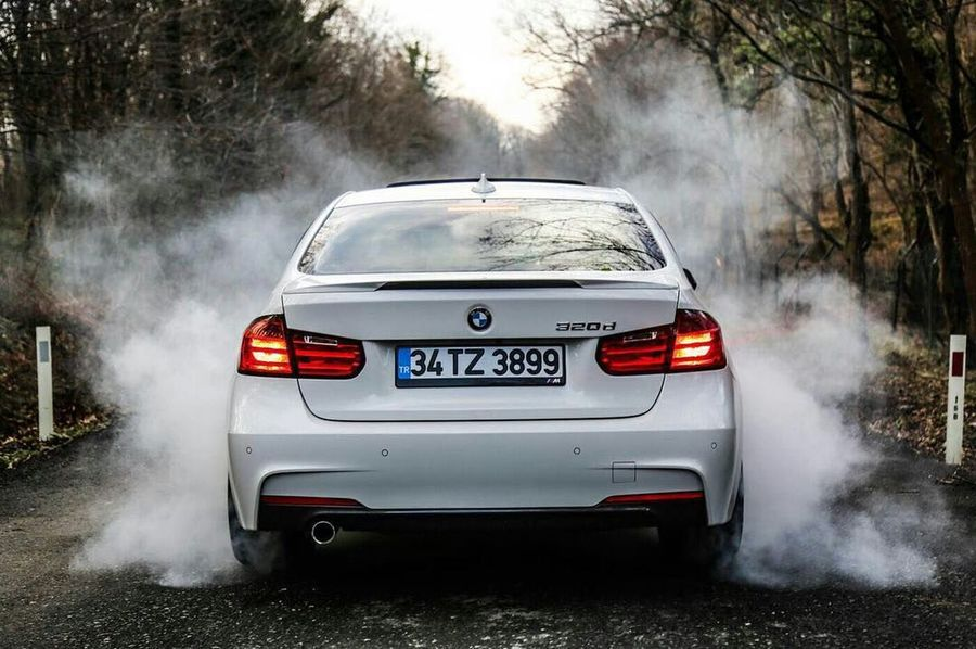 biri ask mi dedi 😉 BMW 😍 Car Dust Front View Sports Race Auto Racing Motion Water