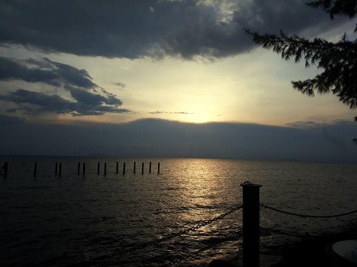 vùng biển vắng Water Sea Sunset Beach Sunlight Sand Sun Silhouette Sky Horizon Over Water
