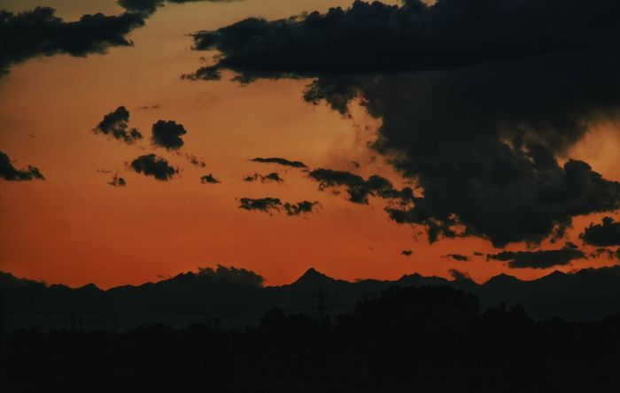 ·Mountains Skyline· Mountains Skyline Mountains And Sky RedSky Lights Clouds And Sky Colorsky Open Edit Photooftheday Sunset