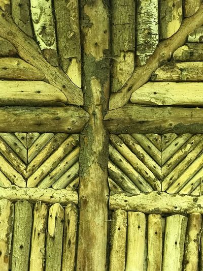 Cabane fort élégante en rondins Full Frame Backgrounds No People Day Pattern Close-up Textured  Wood - Material Architecture Detail