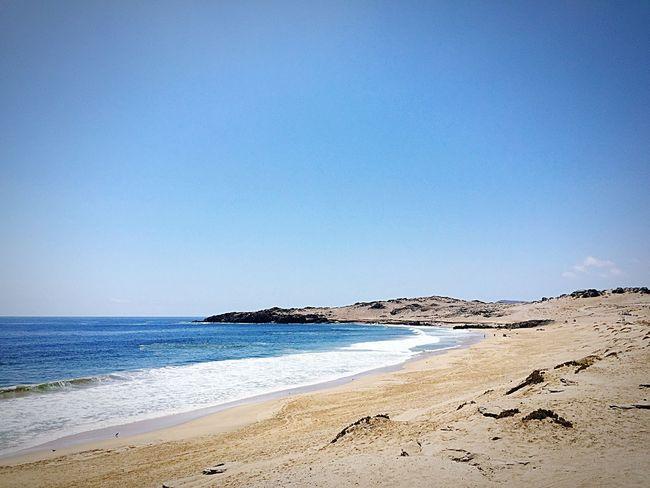 Playa 🏖🏝 Ruta costera, me recuerda a una de Antofagasta. Beach Sand Sea Blue Nature No People Clear Sky