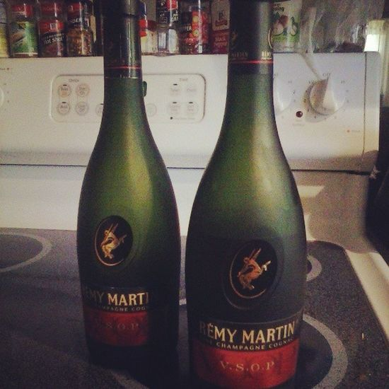 Waiting on the weed man but in the mean time.... Remy Early Hammered Dontjudgeme vsop yak loveit str8likethat