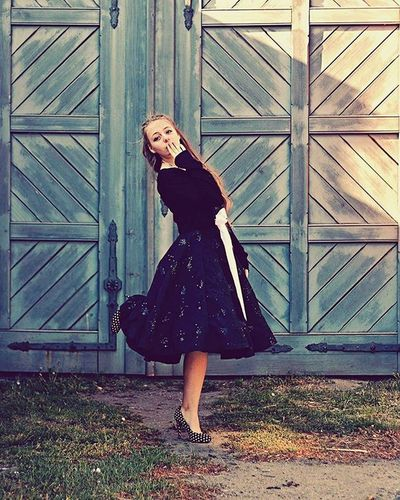 Yeaaaahhhh....Mein selbstgenähtes Rockabillykleid für mein Kampfkätzchen 😍 Rockabilly Rockabillyfashion Rockabillygirl Rockabillydress Outdoor_shooting Outdoorshooting Outdoor Shooting Schloss_willigrad Girl Instagirl Instagramgirl Mädchen Style Fashion Swingdress Vintage Vintagefashion Retro Retrofashion Petticoatdress Petticoat Dress 50sfashion 50s fiftiesstyle fifties 50erjahre 50erJahreKleid repostmonday