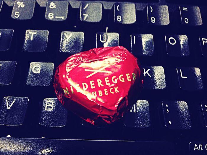 Llegar al trabajo y encontrarte un bombon de corazón. No tiene precio! Enjoying Life Momentos Cosas... Sorpresasmaravillosas