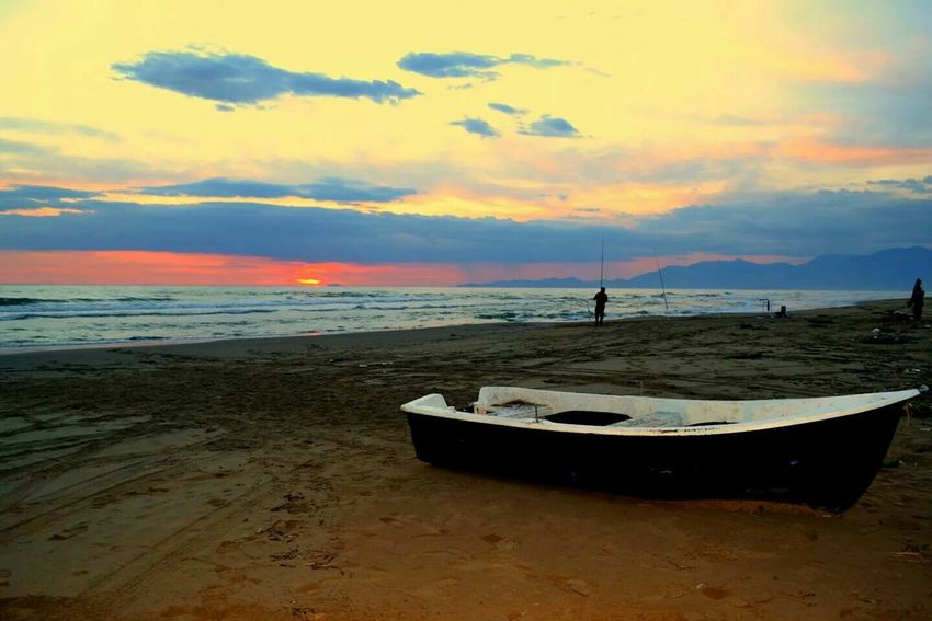 Sunset Silhouettes Sunset Seaside Beach Mondragone Lost In The Sunset Keep Calm And Snap On Italy Boats Old Boats