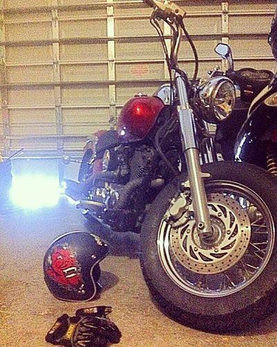 The daily rider Yamahavstar Vstar Racingcarb 40mmcarb MIKUNI LUCKY13 Devil HID Heatwrappedpipes