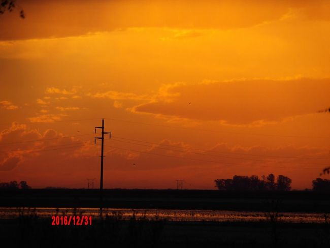 Atardecer naranja . . . Sunset Orange Color No People Silhouette Nature Sky Beauty In Nature