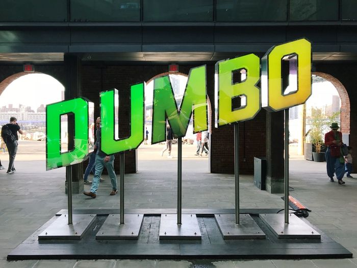 Dumbo sign,