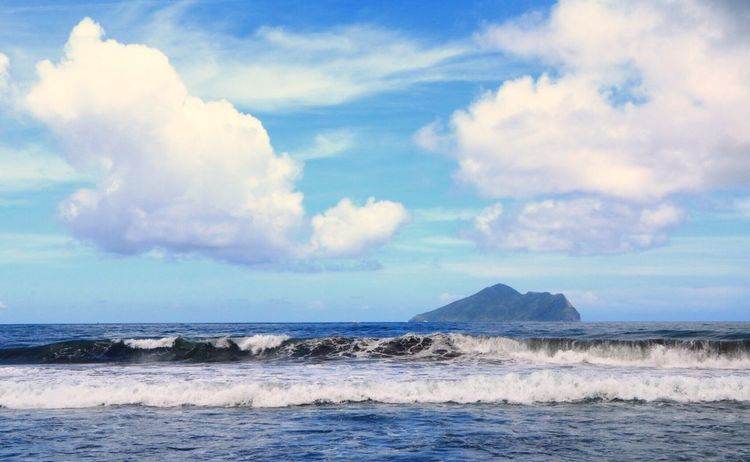 180608(Canon 760D) Sea Sky Cloud - Sky Water Beauty In Nature Scenics - Nature Tranquil Scene Tranquility Beach Land Horizon Horizon Over Water Nature No People Motion Day Outdoors Idyllic Blue