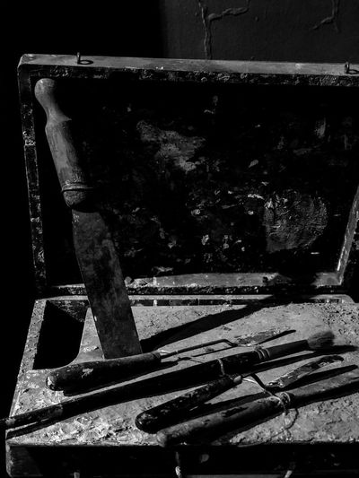 Artesano EyeEm Selects EyeEm Best Shots Buenos Aires Craftman Sunlight Shadow Nature No People Day Indoors  Close-up Metal Still Life Architecture Table Auto Post Production Filter High Angle View Household Equipment Built Structure