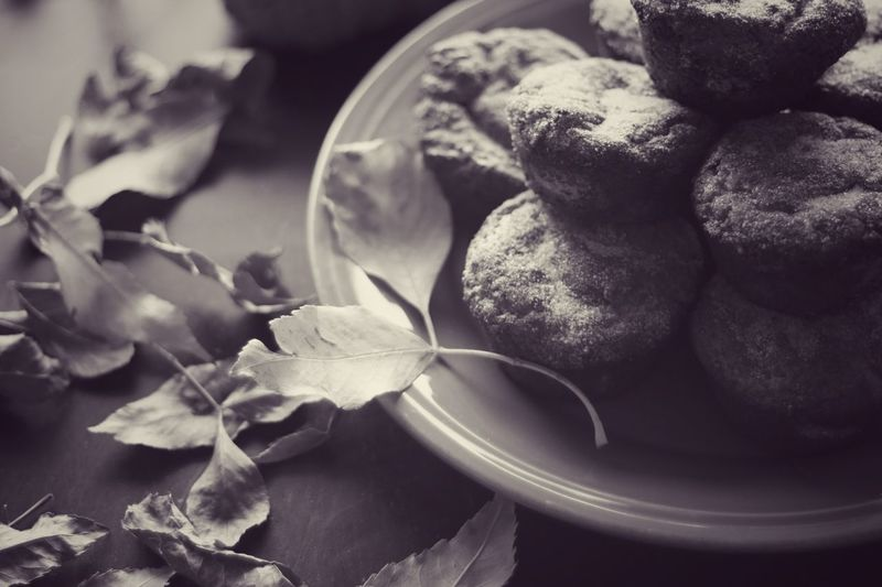 cinnamon muffins! Food And Drink Freshness No People Comfortfood Ready-to-eat Cozy Selective Focus Muffin Leaves Nature Leaf