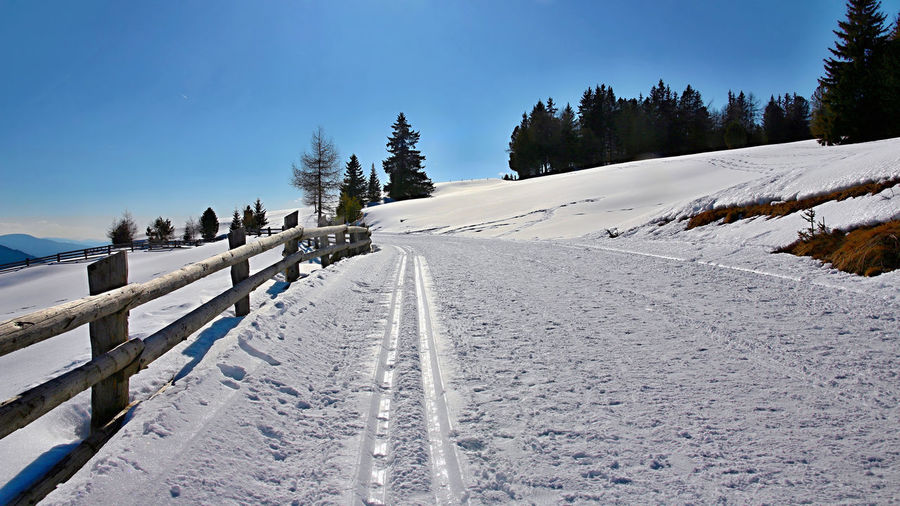 Blue Cold Temperature Diminishing Perspective Landscapes With WhiteWall Nature Sky Snow The Way Forward Tranquil Scene Tranquility Vanishing Point White Color Winter