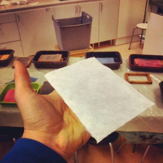 Making paper in Komtek Örnsköldsvik
