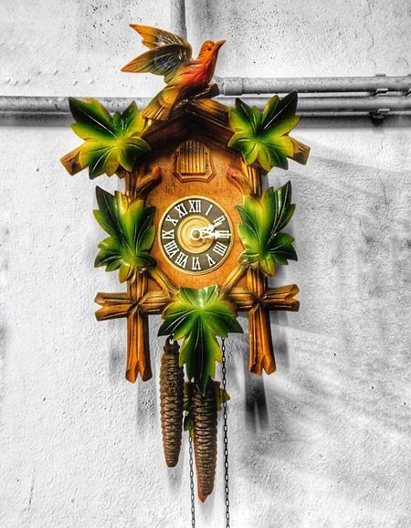 Ey EyeEmNewHere EyeEm Selects EyeEm Gallery Clock Time Minute Hand Old-fashioned Roman Numeral Clock Face No People Antique Hour Hand Anise Day Close-up