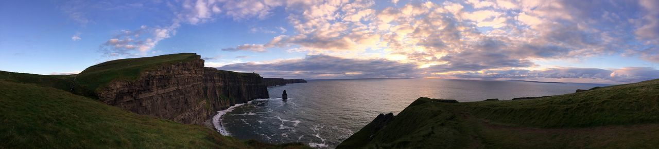 Edge Of The World on the coast..irleand cliffs..last piece of land before the ocean.. Nice Views Panoramic Photography Panoramic Landscape From My Point Of View Enjoying Life Nature_collection Hanging Out Cliffs Of Moher  Cliffside My Favorite Photo The Great Outdoors The Great Outdoors - 2016 EyeEm Awards Lost In The Landscape Perspectives On Nature Shades Of Winter