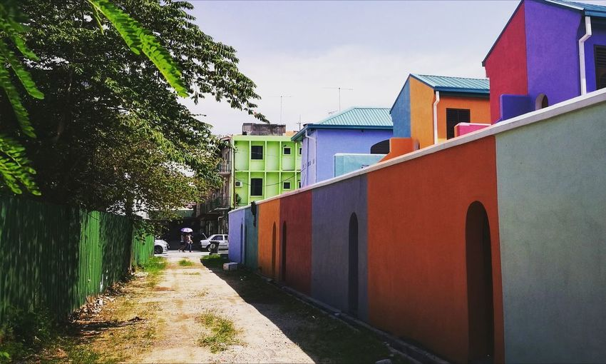 HuaweiP9 Huaweiphotography PhonePhotography Phonephoto Asie Southeastasia Malacca Malaysia Travel TravelDestinations Reisen Voyages Lorongbelakang Lorong Backstreets & Alleyways Backstreet Ruelles Seitenstrasse WarnaWarni Bunt Colore Colours Building Exterior Outdoors Built Structure