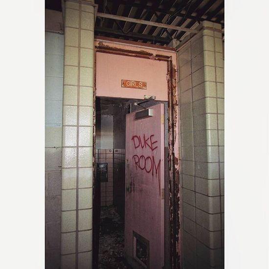 Flintthroughmyeyes Flint 810 Filthyfeeds girlswhopoop tv_urbex