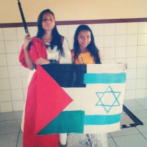 Sim, aquilo é uma arma ^-^ IsraelXPalestina Paulinha Diva Sociologia Mundo_Novo_Possível Art Is Everywhere