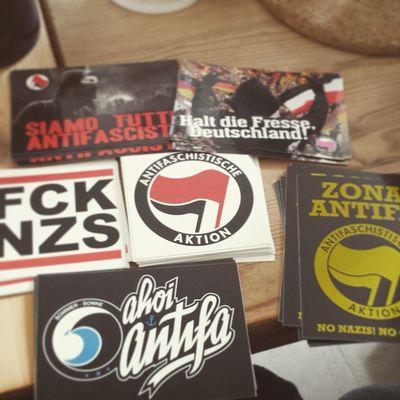 Mehr Aufkleber :D Antifa