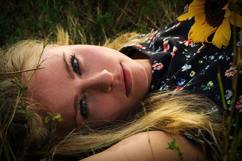 Love Photography Photoshoot Summer Girl Sunflower Blonde Portrait Portrait Of A Woman Nature