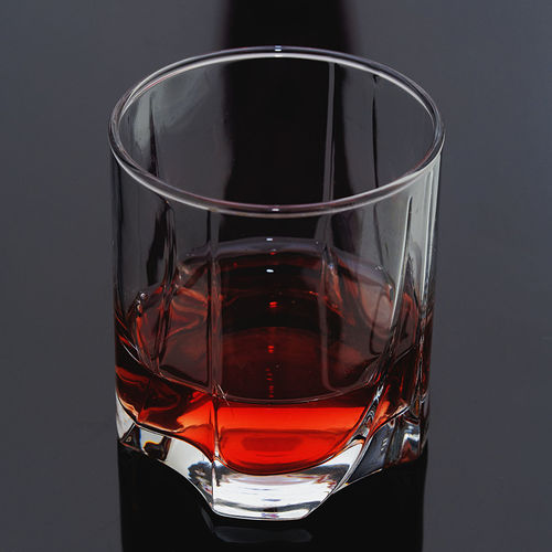 Pure Amber Alcohol Amber Beverage Close-up Drink Drinking Glass Food And Drink Liquid Lunch Minimalism Pure Reflections Refreshment Simplicity Still Life Table
